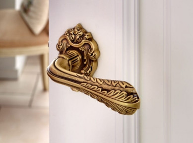 excellent-kinds-of-door-knob-creative-home-with-golden-handle-and-white-door-and-chairs-and-desk-and-cushions