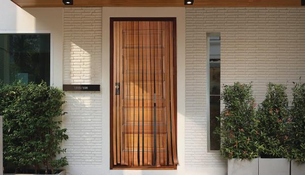 hafele-brown-door-2000-78740