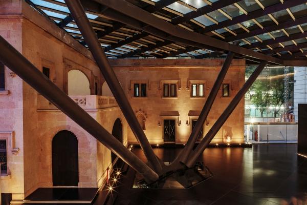 7. Historic house - lobby