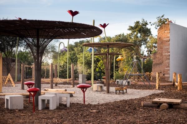 Parque El Rebote - Hongo y Muro