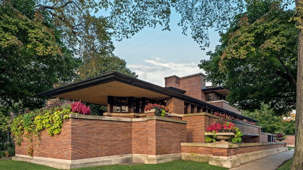 e24bbe2d-d0f6-42d6-a4ea-a9ce9df13a26-Robie_House_photo_by_James_Caulfield_courtesy_of_Frank_Lloyd_Wright_Trust